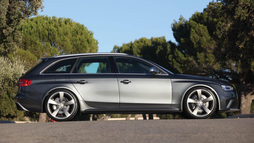 Audi rs4 mk3 side