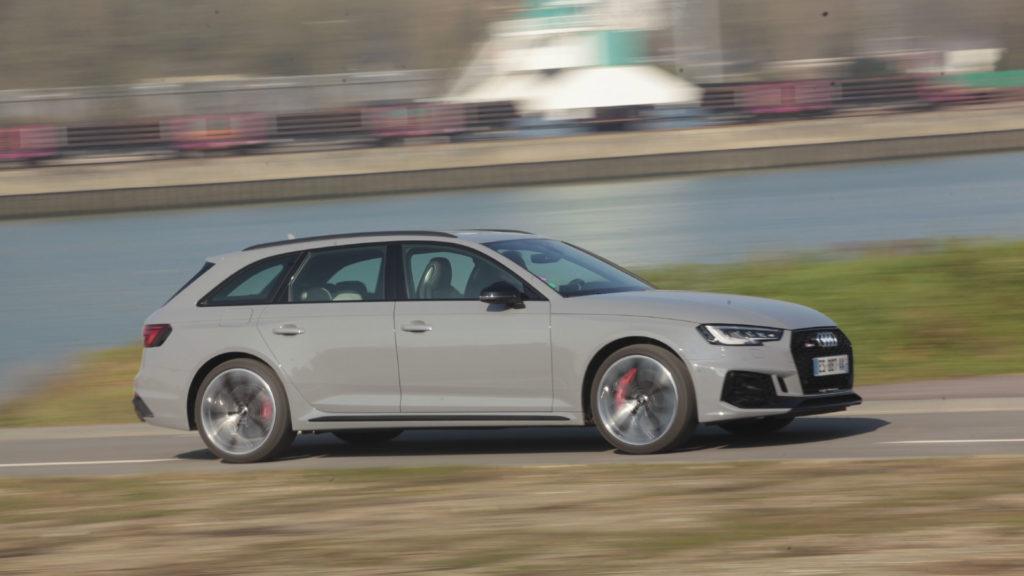 Audi-RS2-vs-Audi-RS4-4