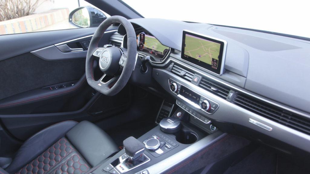 Audi-RS2-vs-Audi-RS4-5