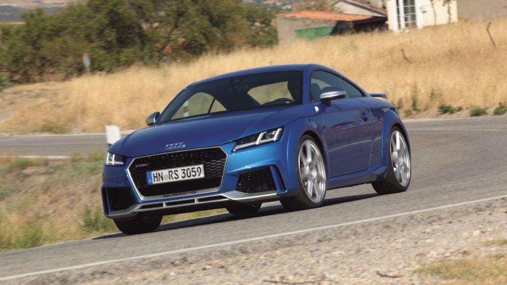 Audi-TT-RS-1