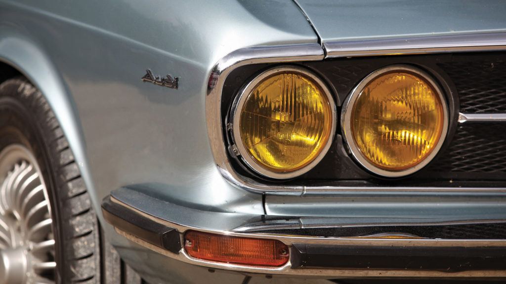 Audi-100-S-Coupe4