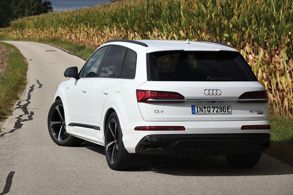 Audi Q7 60 TFSIe face arrière