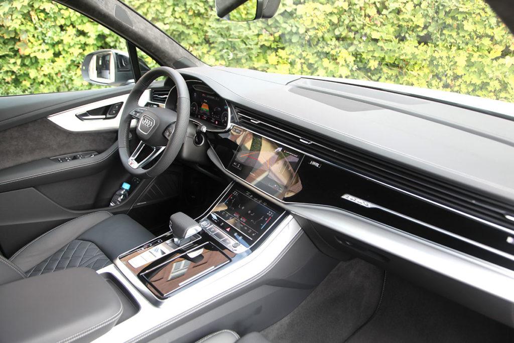 Audi Q7 60 TFSIe interieur
