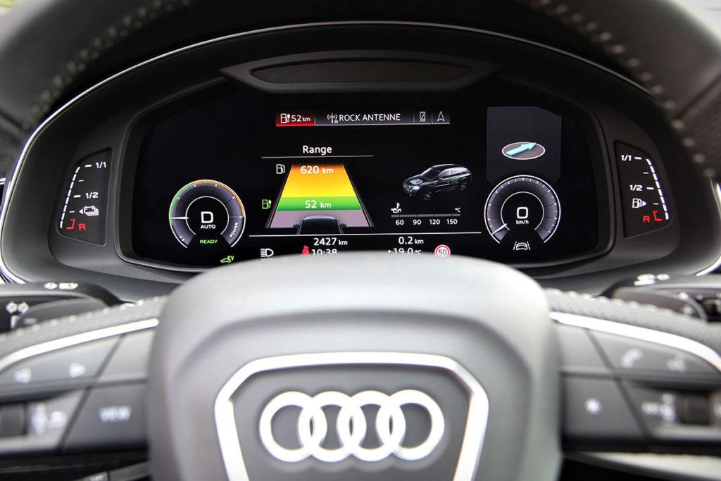 Audi Q7 60 TFSIe volant