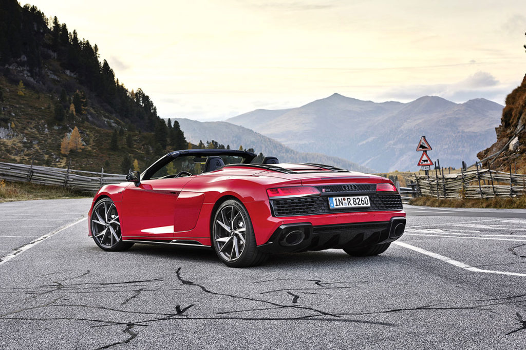 Audi R8 RWD face arriere