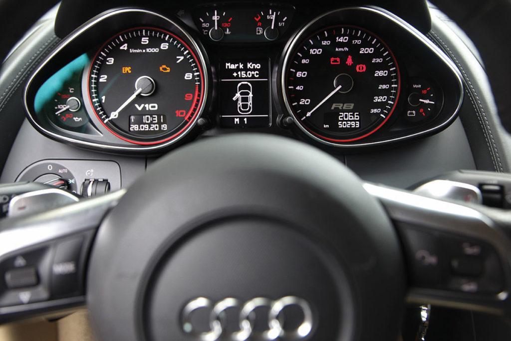 Volant Audi R8