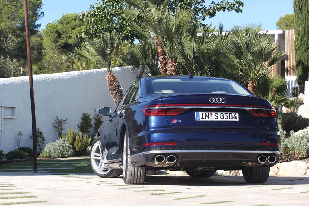 Audi S8 Face arrière
