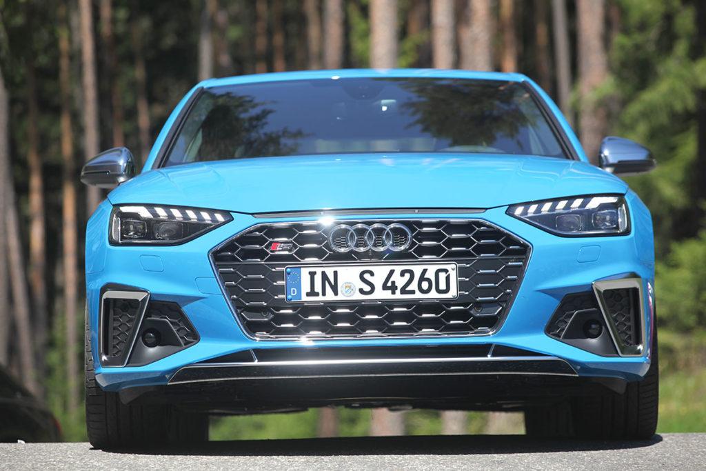 Audi S4 face avant