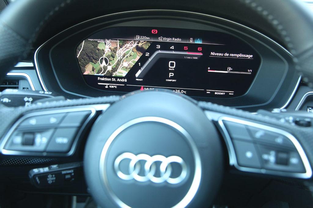 Audi S4 volant