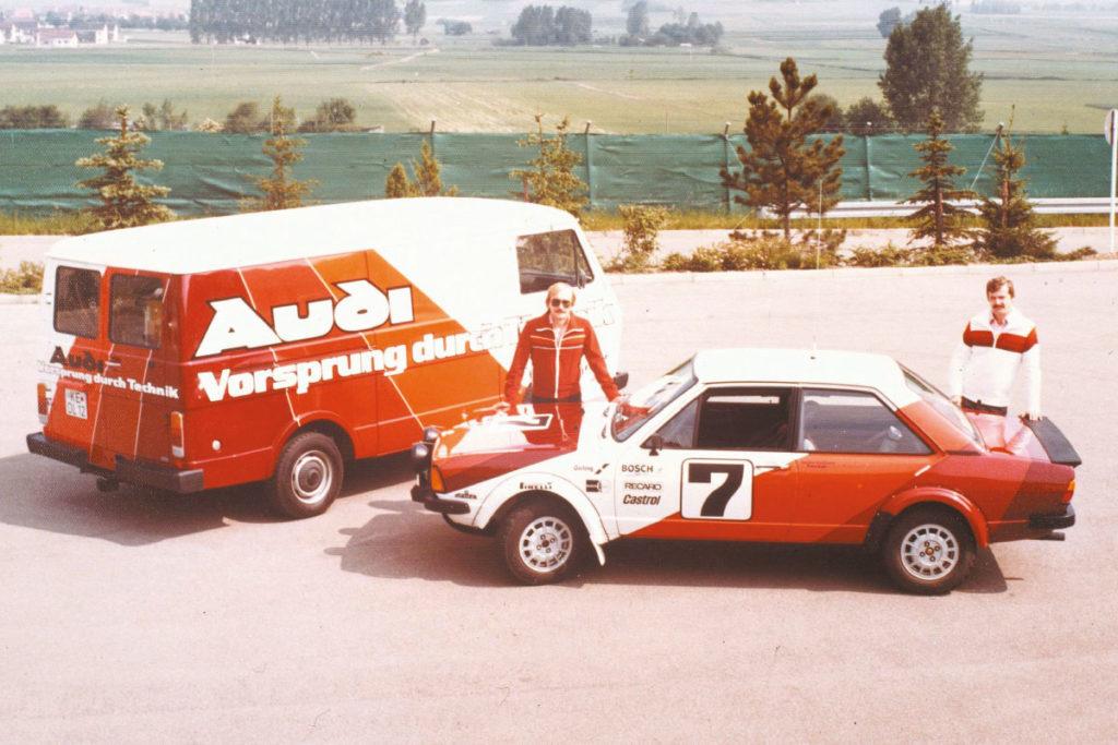 Audi 80 GT avec camion course